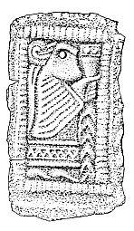Guldgubbe fra Bornholm. Nogle hundrede år senere dukker kvinden med drikken op på de små guldplader, som kaldes guldgubber.