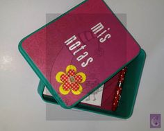 Caja metálica decorada a tu gusto para guardar tus notas. 15€