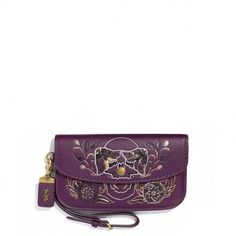 Coach Clutch Violet BagWe are obsessing over all things violet this season and this bag is perfect for inserting the tone into any outfit. Featuring a violet toned leather material with a truly impressive detailing, a classic silhouette, a well-. Black Clutch Bags, Leather Clutch Bags, Color Lila, Coach Clutch, Designer Clutch, Designer Handbags, Purple Leather, Fendi, Sunglasses