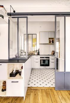 Rénovation appartement pa - Home Decora La Maison Kitchen Inspirations, Apartment Kitchen, Kitchen Interior, Traditional Kitchen, Cheap Kitchen Cabinets, Kitchen Renovation, Kitchen Dining Room, Apartment Interior Design, Kitchen Dining Room Combo
