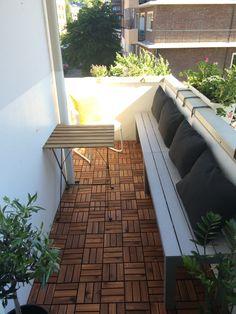 kleinen Balkon gestalten Teak Holz Bodenbelag Sitzbank aus Holz ...