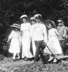 Anastasia, Aunt Olga, Tatiana, Nicholas, and Maria
