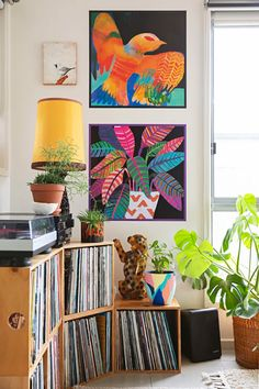 This Plant-Filled, Colorful Australian Home Is the Very Definition of Bohemian Maximalist - Vintage Bohemian Home Bohemian House, Bohemian Interior, Bohemian Decor, Vintage Bohemian, Apartment Therapy, Bedroom Art Above Bed, Moroccan Cushions, Open House Plans, Appartement Design