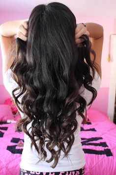 Long Dark Curls - Hairstyles and Beauty Tips