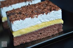 Prajitura Krem a la Krem Sweets Recipes, Cookie Recipes, Romanian Desserts, Delicious Desserts, Yummy Food, Torte Cake, Crazy Cakes, Sweet Tarts, Dessert Drinks
