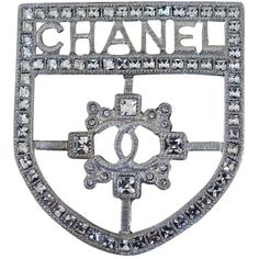 Pre-owned Chanel Brooch Pin Shield Badge Crest Cc Logo Big Large Xl... ($1,000) ❤ liked on Polyvore featuring jewelry, brooches, accessories, silver crystal, pre owned jewelry, pin jewelry, black brooch, chanel jewellery and chanel brooch