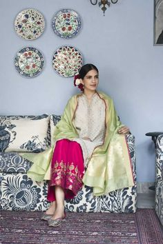 Good Earth brings you luxury design crafted by hand, inspired by nature and enchanted by history, celebrating India's rich history and culture through original, handcrafted products. Pakistan Fashion, India Fashion, Ethnic Fashion, Asian Fashion, Indian Attire, Indian Ethnic Wear, Pakistani Outfits, Indian Outfits, Anarkali