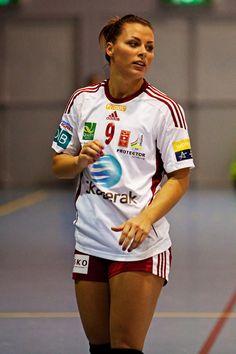 Grundigligaen 6.1.2016 Oppsal - LHK : 22-34 Oppsal Arena Sport Chic, Sport Girl, Kids Sports, Sports Women, Nike Outfits, Chic Outfits, Handball Players, Men Abs, Beautiful Athletes