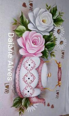 Resultado de imagem para pintando pano de prato com cristina ribeiro Hobbies And Crafts, Diy And Crafts, Paper Crafts, Decoupage, Fruit Picture, Beautiful Flowers Wallpapers, One Stroke Painting, Krishna Art, Fall Flowers