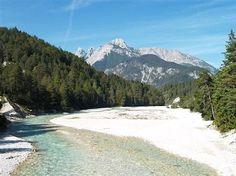 Isar bei normalem Wasserstand... wurde in Deutschland, Sylvenstein aufgenommen.