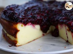 Condensed milk cheesecake and its berry purée, Photo 3 Brownie Shop, Fun Desserts, Dessert Recipes, Condensed Milk, Vegetarian Cheese, C'est Bon, Cheesecakes, Ricotta, I Foods