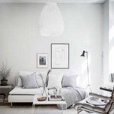 "Gefällt 144 Mal, 5 Kommentare - Hi, I'm Lea from Le(v)a och Bo (@leva.och.bo) auf Instagram: ""Lovely livingroom inspiration via @bjurfors_goteborg. I really think that the #unrenderedwalls make…"""