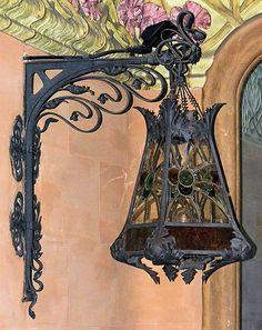 Barcelona   art nouveau lamp   JV