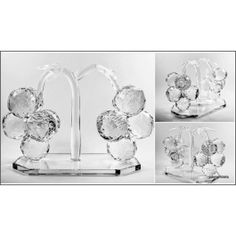 Large Crystal Grape Figurine, Table Decor. A wonderful piece of Home Decor, solid lead crystal.