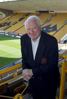 Sir Jack Hayward Woves In May 2007 announced that he had sold control of the club to businessman Steve Morgan OBE for a nominal £10 fee, in exchange for a conditional £30m of investment