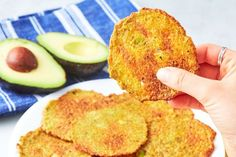 Snacking shouldn't kick you out of ketosis when you know exactly what to eat on the keto diet. Try these delicious low carb keto snack recipes today. Avocado Chips, Keto Avocado, Avocado Recipes, Avocado Toast, Avocado Egg, Mexican Avocado, Avocado Butter, Avocado Hummus, Ripe Avocado