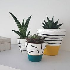 Items similar to Hand Painted Grid Plant Pot - on Etsy - Memphis Style Lounge - Decorative Accessories - Painted Plant Pots, Painted Flower Pots, Diy Arts And Crafts, Diy Crafts, Flower Pot Design, Do It Yourself Inspiration, House Plants Decor, Diy Planters, Diy Painting