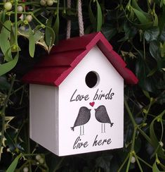 bird house painting ideas A beautiful hand crafted wooden birdhouse Wooden Bird Feeders, Wooden Bird Houses, Bird House Feeder, Decorative Bird Houses, Bird Houses Painted, Bird Houses Diy, Painted Birdhouses, Rustic Birdhouses, Bird House Plans