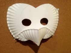 Paper Plate mask, cant wait to make that with my Kiddos! Owl Mask, Bird Masks, Paper Plate Masks, Paper Plates, Paper Mache Crafts, Paper Plate Crafts, Classroom Crafts, Preschool Crafts, Kalif Storch