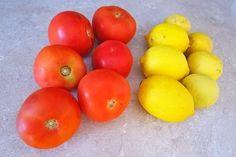 Πως θα φυλάξουμε λεμόνι και ντομάτα στην κατάψυξη Food Hacks, Vegetables, Fruit, Cooking, Tips, Recipes, Kitchen, Vegetable Recipes