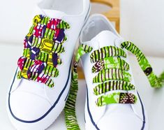 DIY Ankara African wax shoe laces Check the tutuorial on African Inspired Fashion, African Print Fashion, Africa Fashion, African Fashion Dresses, Fashion Prints, African Wear, African Attire, African Dress, African Accessories