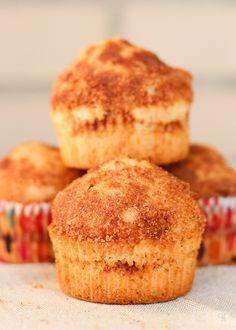 """Diciembre. Sí, estamos en ese mes en el que desde que sales a la calle te recuerdan que estás en ese """"wonderful time of the year"""". Sin comentarios. Este año y para ir algo contracorriente no pienso publicar ni una sola receta que tenga carácter festivo, navideño. Es más, lo que publique va a ser … Tasty Videos, Bread Machine Recipes, Cooking Time, Sin Gluten, Afternoon Tea, Bread Baking, Cake Pops, Sales, Bakery"""