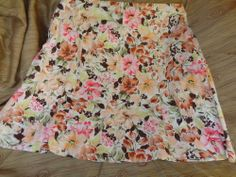 Woman's or Teens Skirt Fashion Bug Autumn Floral 16 W - $12