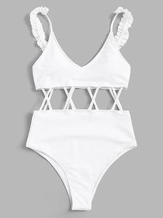 Summer Bathing Suits, Girls Bathing Suits, Trendy Bikinis, Cute Bikinis, Teen Fashion Outfits, Cool Outfits, Bikini Types, Bikini Outfits, Tumblr Outfits