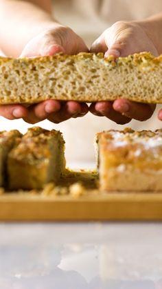 Aprenda a preparar um pão fofinho e gostoso de gorgonzola que não precisa sovar!