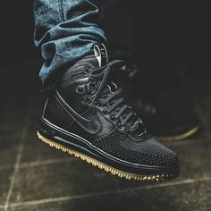 Trendy Sneakers 2018 Nike Lunar Force 1 Duckboot (black) - Sneaker Store Fulda - Go to Source - Nike Free Run, Nike Free Shoes, Nike Shoes Outlet, Sneakers Mode, Sneakers Fashion, Nike Sneakers, Souliers Nike, Nike Boots, Nike Winter Boots