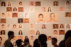 ARTNOBEL Inspiration Review of Contemporary Art nº9 Angélica Dass proyecto en desarrollo Humanae #ArtnobelInspiration #artnobel Autor de la fotografía Juan Miguel Ponce, exposición en Valencia.