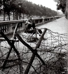 "Robert Doisneau, ""Love and barbed wire"""
