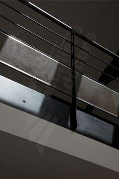 photo s35 garde corps de mezzanine mis en conformit normes nf p01 012 par un soubassement en. Black Bedroom Furniture Sets. Home Design Ideas