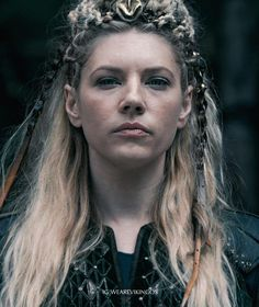 Katheryn Winnick ✾ as Lagertha Wallpaper Vikings, Viking Wallpaper, Katheryn Winnick, Warrior Queen, Viking Warrior, Lagertha Lothbrok, Lagertha Hair, Ivar Vikings, King Ragnar