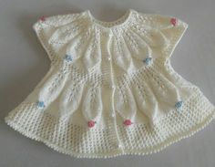 (notitle) – Ayşegül Kşc – Join in the world of pin Easy Knit Baby Blanket, Free Baby Blanket Patterns, Knitted Baby Blankets, Baby Knitting Patterns, Baby Patterns, Dress Patterns, Crochet Dress Outfits, Knitted Baby Outfits, Crochet Summer Dresses