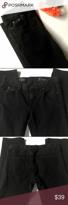 """J. Crew Matchstick Jeans J. Crew Matchstick Jeans are one of my favorites! Approximate 15"""" waist when measured laying flat; inseam is approximately 29"""". Excellent condition!   NO TRADES NO OFF SITE  ✅POSH RULES ONLY ✅DOG FRIENDLY, SMOKE FREE HOME ✅FAIR OFFERS  PLEASE USE OFFER BUTTON!  ❓ASK IN THE COMMENTS!   BUNDLE 2+ ITEMS & SAVE!!!!! J. Crew Jeans"""