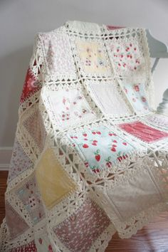 High Tea Crochet Quilt Tutorialhttp://fannyludesigns.com/high-tea-crochet-fusion-quilt-tutorial/ Más
