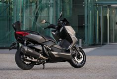 Yamaha X-MAX 400 - Find out more: http://scootergiant.co.uk/New-Scooters-2013/yamaha-x-max-400