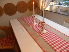 perfect in it's simplicity Table Runner And Placemats, Burlap Table Runners, Lace Table, Quilted Table Runners, Burlap Crafts, Xmas Crafts, Diy And Crafts, Burlap Projects, Christmas Table Settings