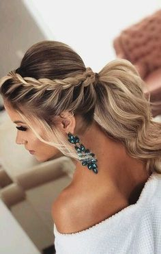 The Best 45 Wedding Hairstyles That Will Be Worn For A Celebration This Year – Page 22 of 45 wedding hairstyles; wedding hairstyles half up half down; wedding hairstyles for long hair; wedding hairstyles medi Source by Classic Wedding Hair, Long Hair Wedding Styles, Wedding Hairstyles Half Up Half Down, Wedding Hairstyles For Long Hair, Hairstyles For Dresses, Hairstyles For Weddings Bridesmaid, Updo For Long Hair, Hairstyle Ideas, Hair Half Up Half Down