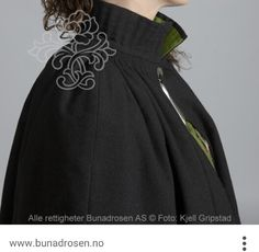 Cape Bunad collar, black wool