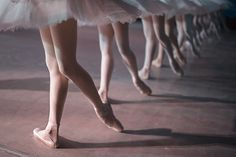 Has the Quest for Versatility Erased Dancers' Movement Signatures?