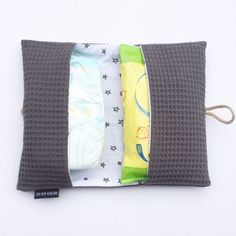 diaper pouch gray in waffle fabric Handmade Baby, Diy Baby, Newborn Sleeping Bag, Baby Sewing Projects, Creation Couture, Wishes For Baby, Baby Kind, Baby Crafts, Baby Care