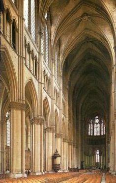 Interior de la Catedral de Reims. Gothique classique