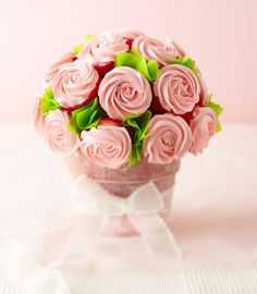 Our amazingly easy #cupcake roses make a pretty #bouquet for #MothersDay!