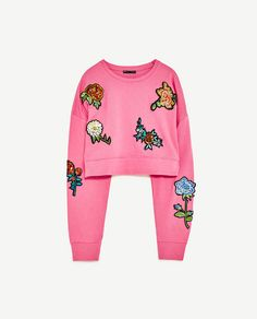 Image 8 of SWEATSHIRT WITH PATCHES from Zara