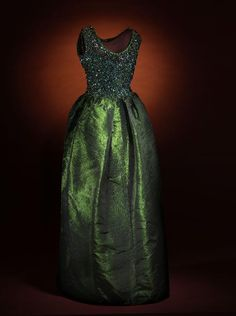 Evening Dress Cristobal Balenciaga, 1961 Musée Galliera de la Mode de la Ville de Paris