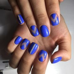 I really like the Negative nails done in this blue, So so pretty.  blue nails, Beautiful nails 2017, Blue nails ideas, Cool nails, Glossy nails, Nail art stripes, Nails by striped dress, Nails ideas 2017