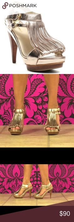 💕❤️Max Studio Boudica Fringe Heels ❤️💕 Gently worn and comes from a smoke free home. Get in on this season's fringe trend in an easy way with these classy heels from Max Studio. The Boudica heel features a caught fringe t-strap for the sexiest looks. 💅🏼  **there is a small scuff which is included in photos** 4 inch heel including platform height Max Studio Shoes Sandals