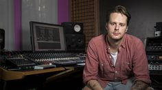 We take a look in the prog-house producer's studio